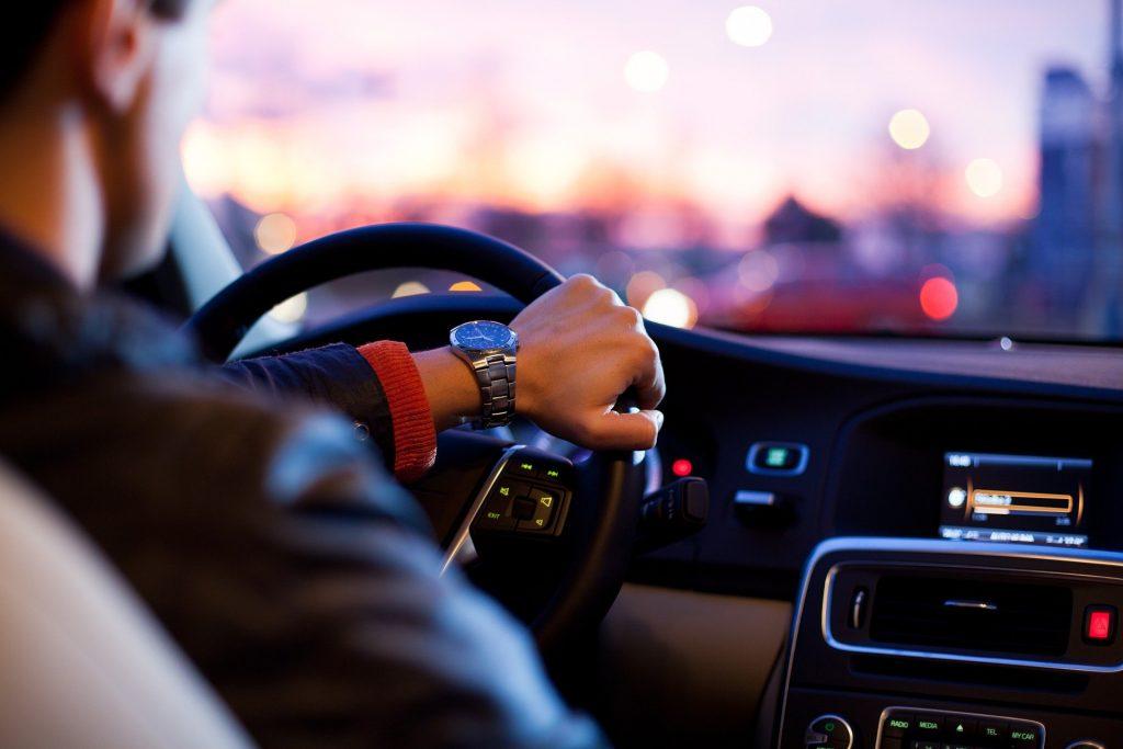 Wykorzystanie samochodu osobowego w prowadzonej działalności – objaśnienia podatkowe MF